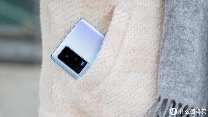 vivo X60 Pro评测:蔡司+微云台拍照显著提升,系统很加分