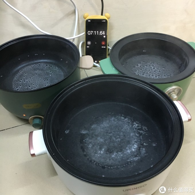 7分10秒左右,七彩叮当的水已经开始沸腾;