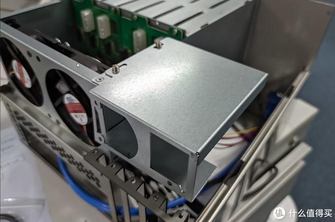 6盘位NAS机箱开箱简测