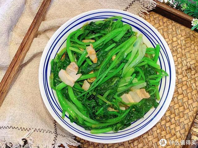 冬季,吃萝卜白菜不如吃它,简单一炒,低脂又饱腹,安稳过寒冬!