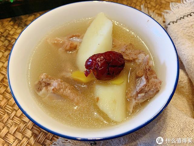 冬天多给家人喝这汤,荤素搭配,驱寒暖胃养人,不懂吃太可惜了。
