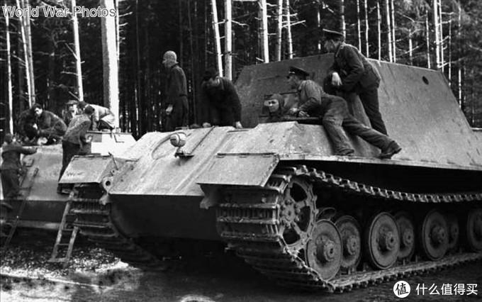 编号305001的保时捷猎虎样车,尚未安装主炮