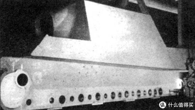 亨舍尔猎虎底部车体开孔图示