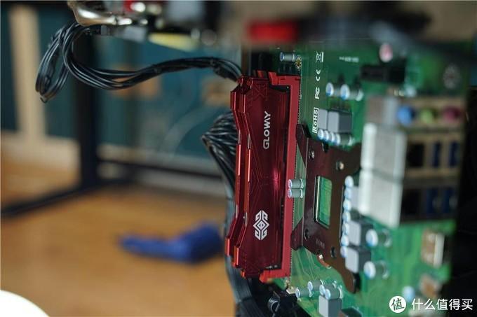 摒弃常规,可玩性高!反装CPU的益德主板点亮记
