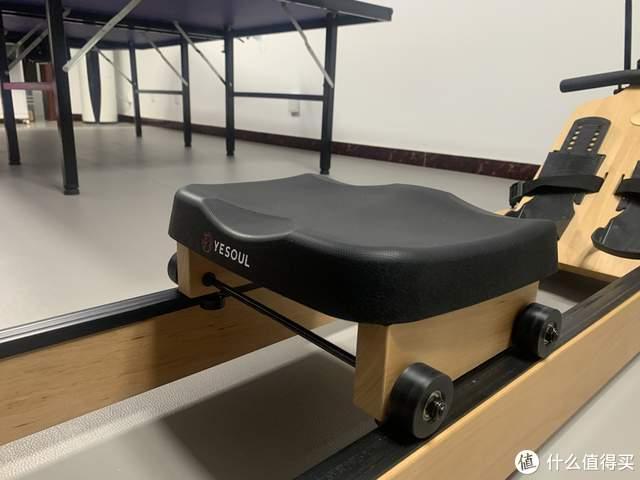 野小兽划船机R40,让全身80%的肌肉群动起来