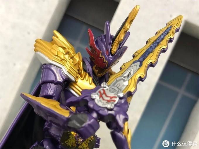 《假面骑士圣刃》装动赏析:剑闪超高可动性,王剑涂装造型华丽