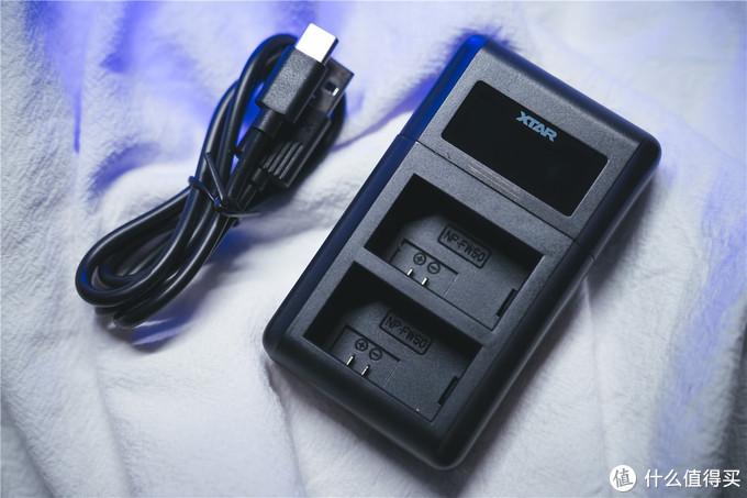 相机电池也能万能充?XTAR VN2智能充电器体验