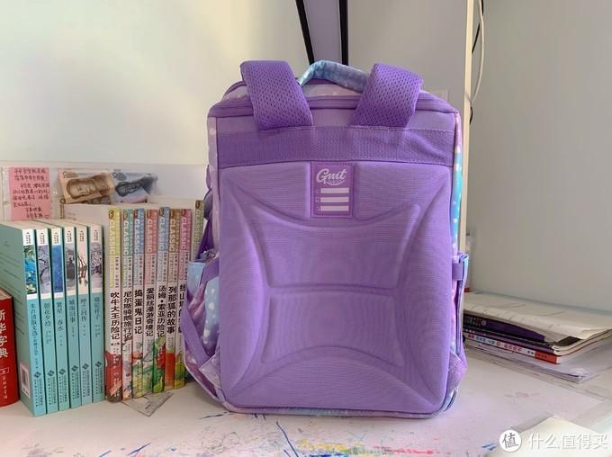 减轻孩子回家路上的重量,GMT for Kids 小学生书包