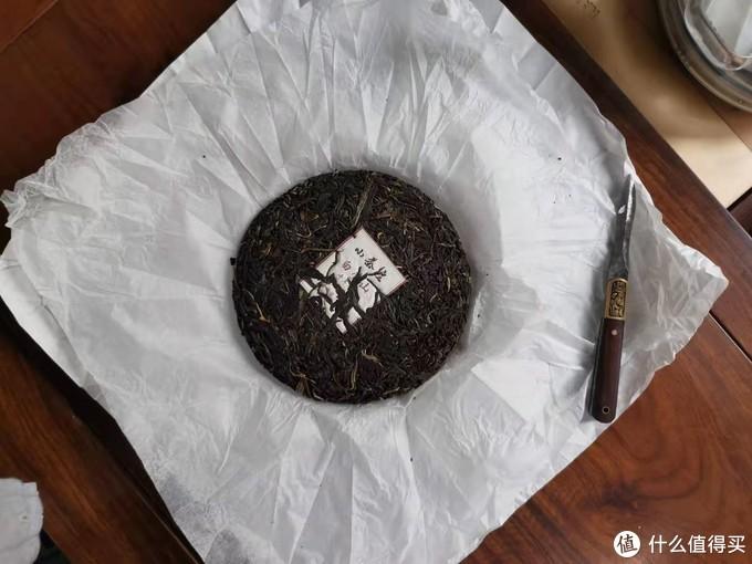茶刀是用的蛮久了,跃跃欲试啊,撬茶是很有成就感的一件事情啊