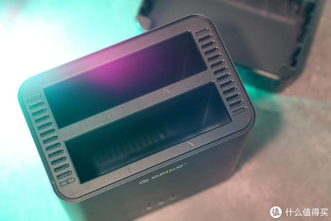 急速换盘,安全可靠:ORICO DS系列磁吸硬盘柜体验