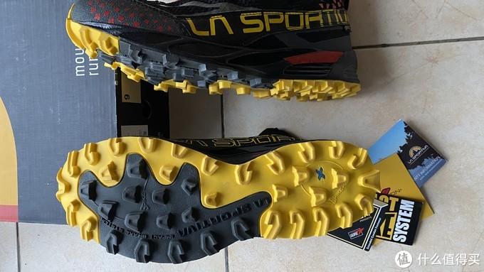 鞋底厚厚的防滑钉
