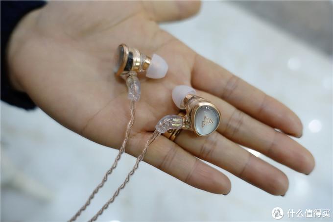 颜值担当,新时代复古标品,威泽Kylin HE01耳机体验