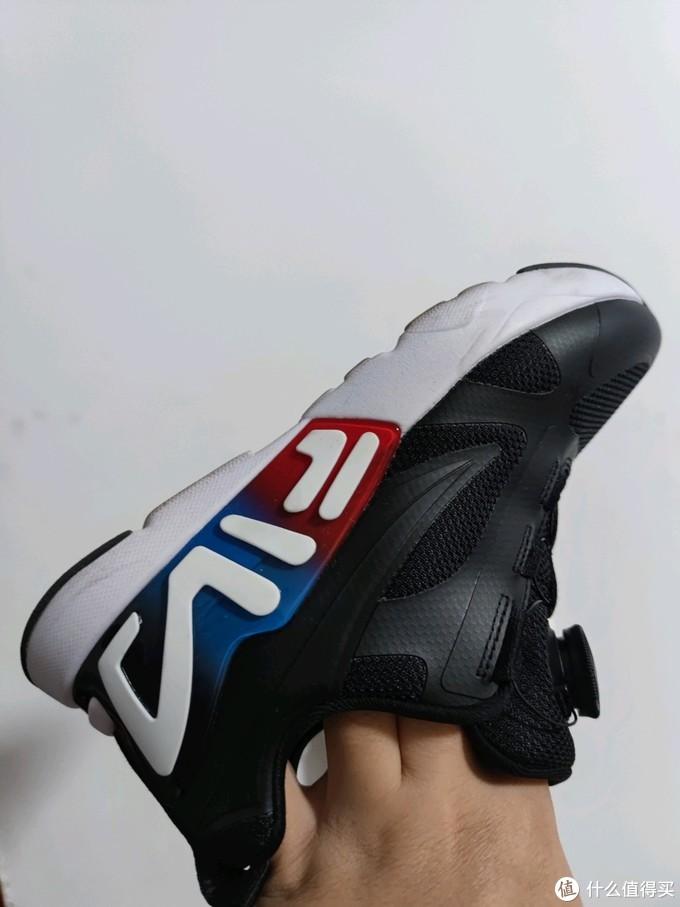 周一要穿黑色鞋子所以选了黑色