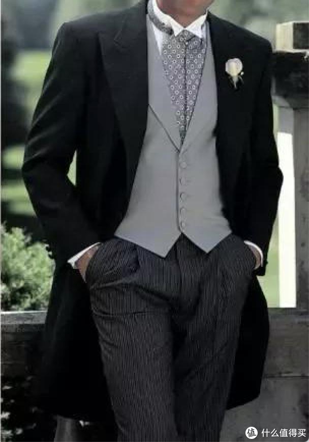 拒绝复制粘贴的婚礼,男女主礼服如何挑选?