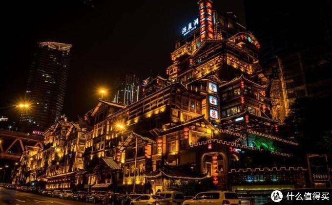 跟着酒水去旅行,盘点云贵川渝藏代表性酒水品牌及所在地风土人情。