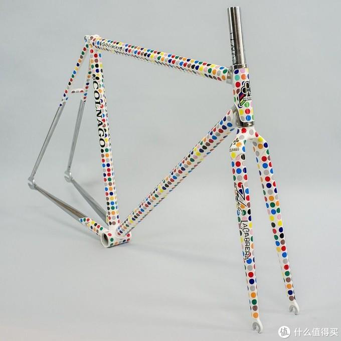 全球死飞文化盛行早期,Futura专属涂装的限量梅花车架,摘自fyxo