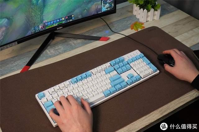 桌面极简主义者刚需!杜伽K310w三模一体机械键盘上手体验分享