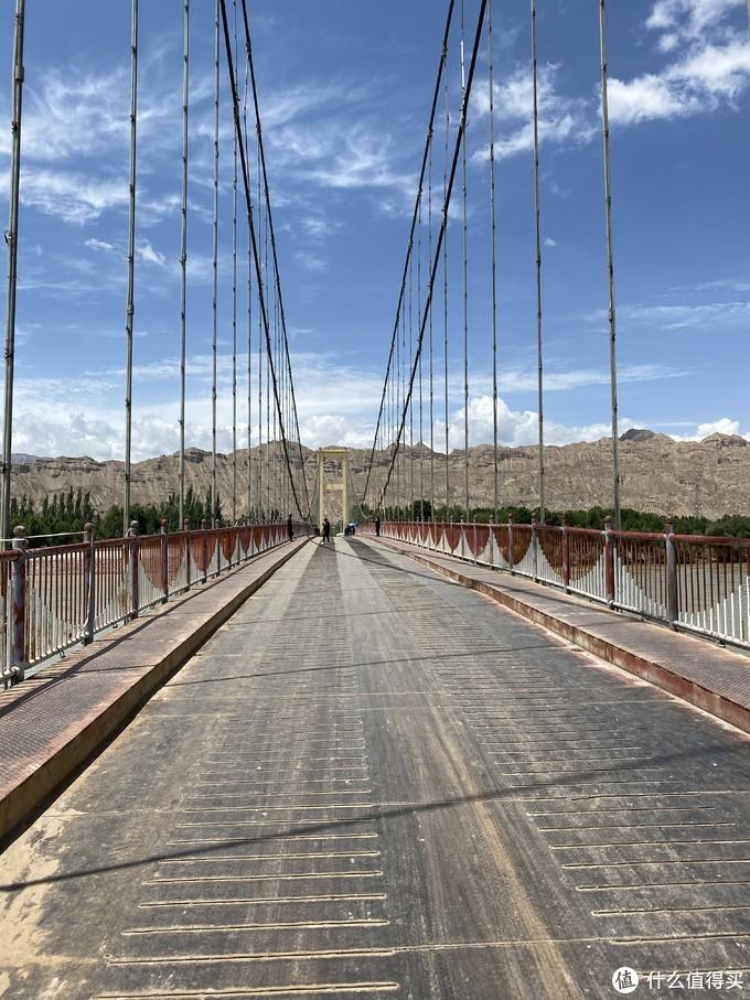 行人和非机动车过河的老桥