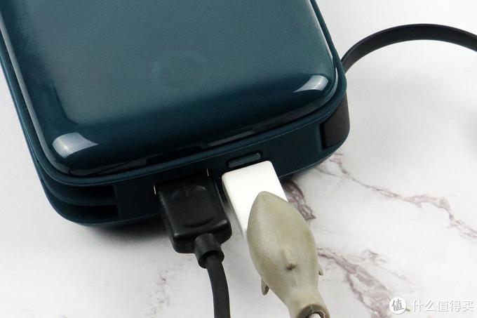 大满足还省心——iWALK小飞象自带线20000毫安快充移动电源体验