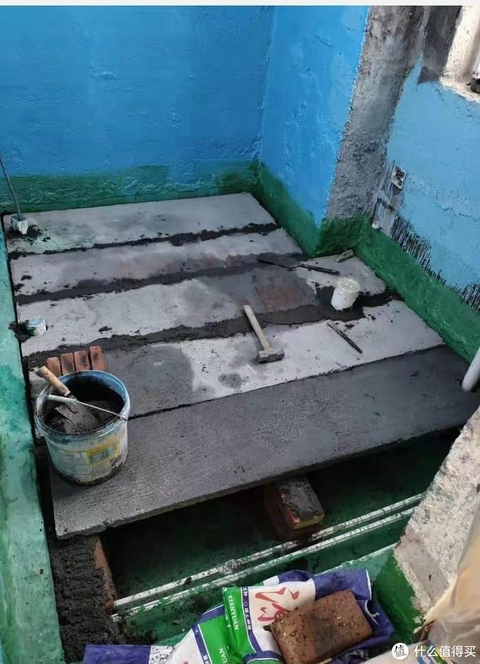 非常复杂···水泥预制板每块都要手工做