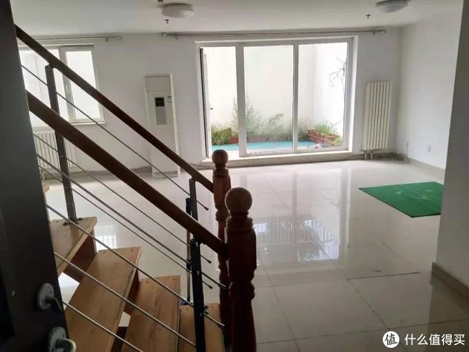 她8000块在北京住245㎡,换地板、修院子,堪称史上最牛租房改造者