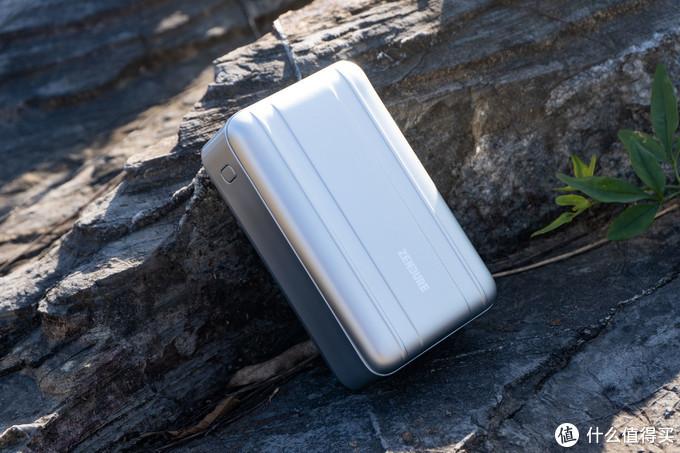 随地疾充,专属便携电站——征拓笔记本充电宝