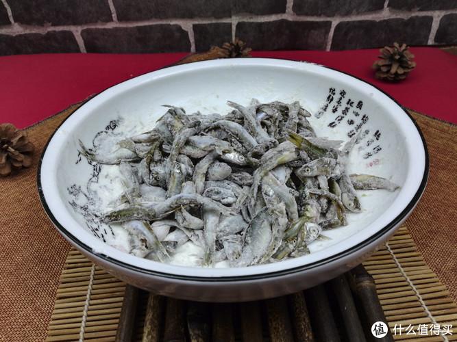 小杂鱼去腥秘诀,全靠这种神秘调料,酥到骨头都不剩,上桌光盘