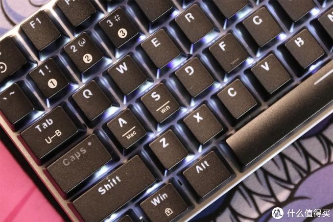 那款好用的小键盘终于出无线款了 黑爵AK33分享