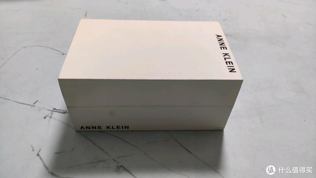 张大妈送的AK表,说说情人节该送什么礼物