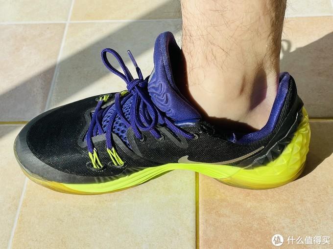 芯迈三分钟快速定制篮球鞋垫—当运动防护科技与复古情怀交织,唤醒85后中年人的篮球梦