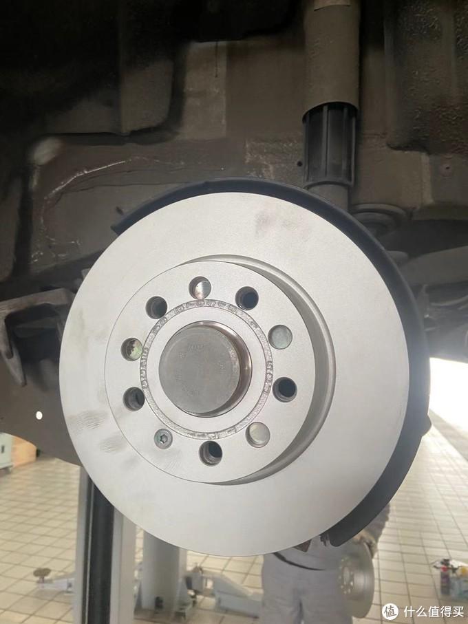 崭新的刹车盘