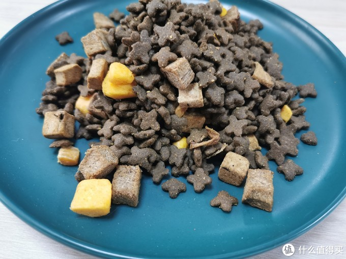 C3冻干猫粮 ,大块的冻干,好吃让猫赞不绝口!