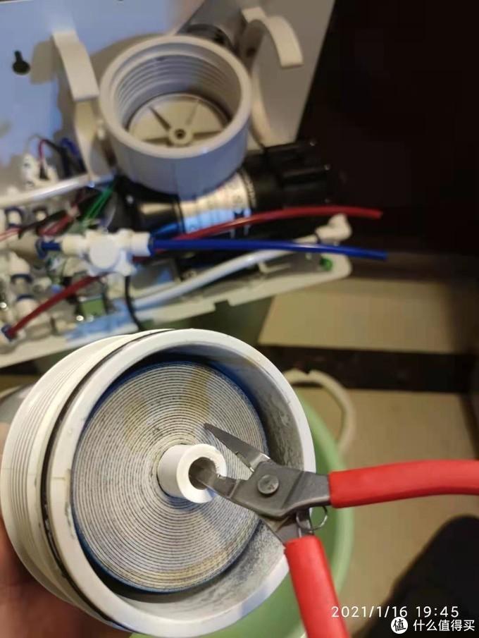 论工具的重要性——沁园KRL3863净水器RO滤芯更换