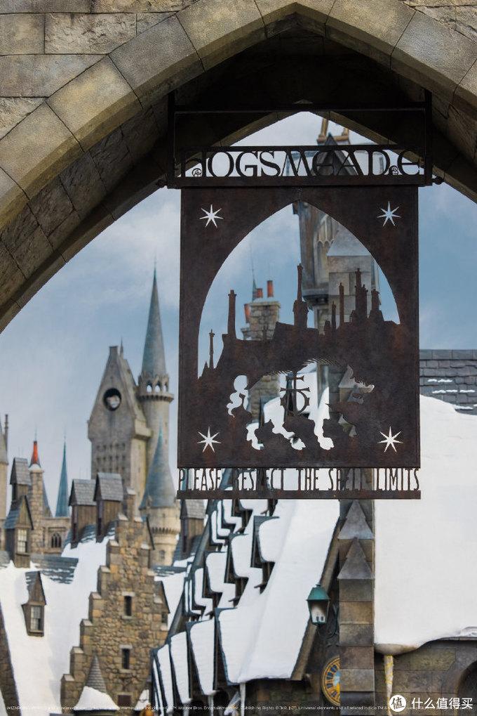 北京迎来初雪,来看看雪中的环球影城,哈利·波特魔法世界在雪中更有景致