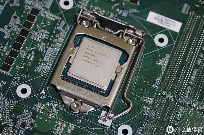 CPU反装非常规设计是创新还是噱头?益德双板主板抢鲜体验