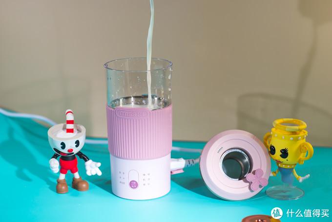 宅家看剧好伴侣!一杯牛奶,一把茶叶,10分钟轻轻松松搞定自制奶茶~