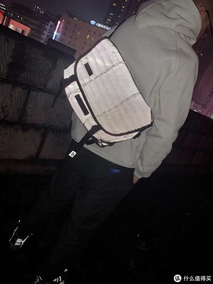 传说有款包,专治远光狗---Timbuk2 Maze Classic 光之魔法