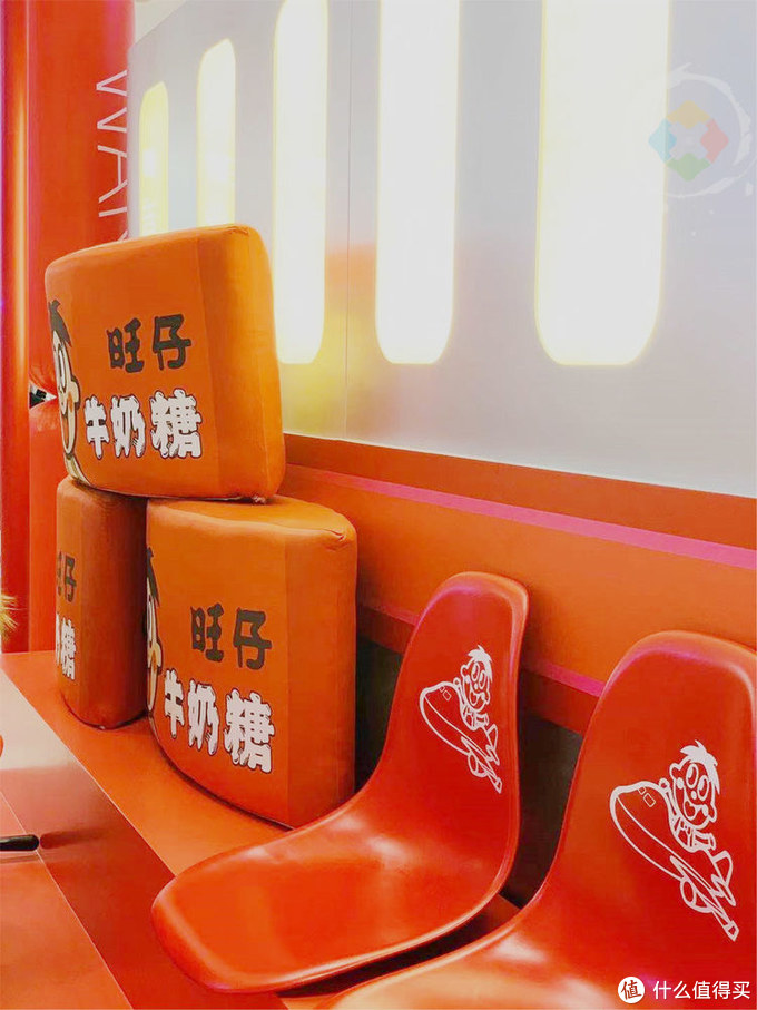 重庆来福士里的中国味道,满眼都是喜气洋洋的旺仔,年味十足
