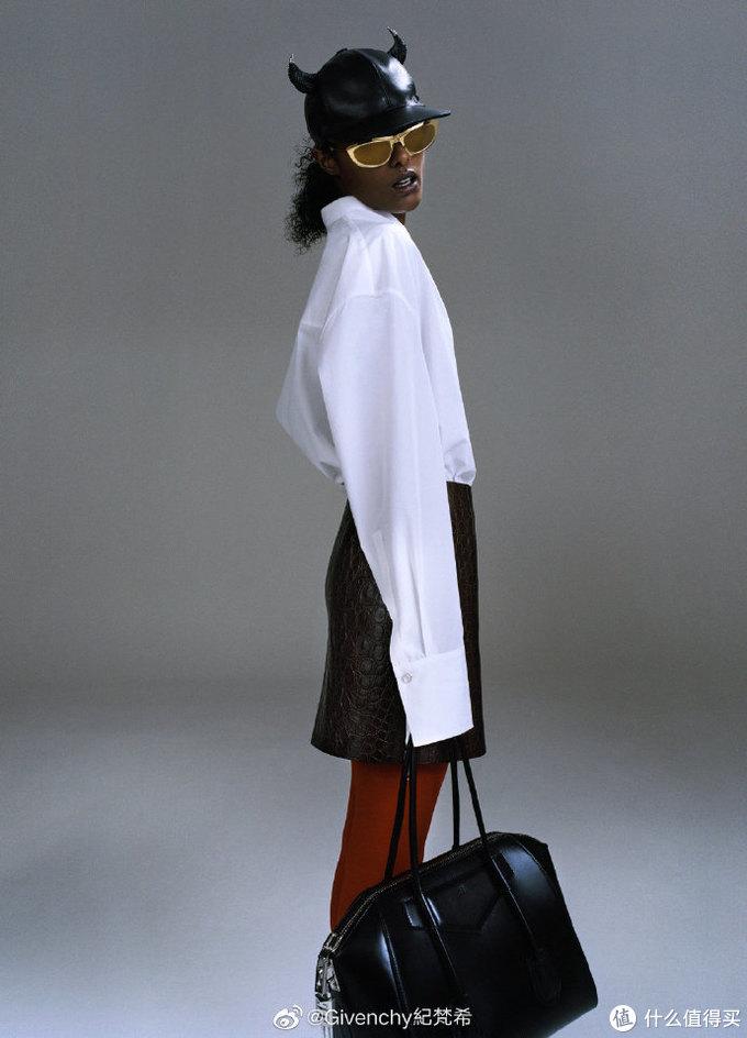 Givenchy纪梵希推出全新Antigona手袋,欧阳娜娜、宋祖儿上身效果超酷!