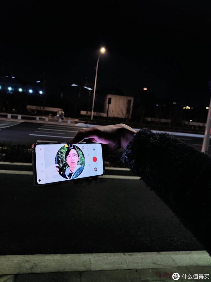 人像视频手机究竟是噱头还是真的强?多场景实测OPPO Reno5 Pro找到答案