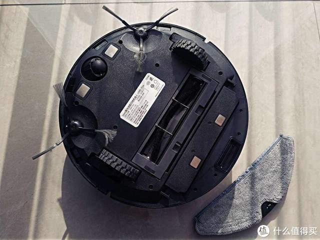 自动清扫自动倒垃圾-由利V980 PLUS扫地机体验