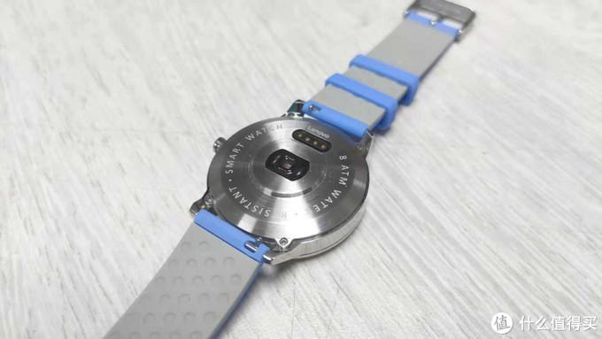 缺陷很多,但只要价格到位还是有人买-Watch X智能手表