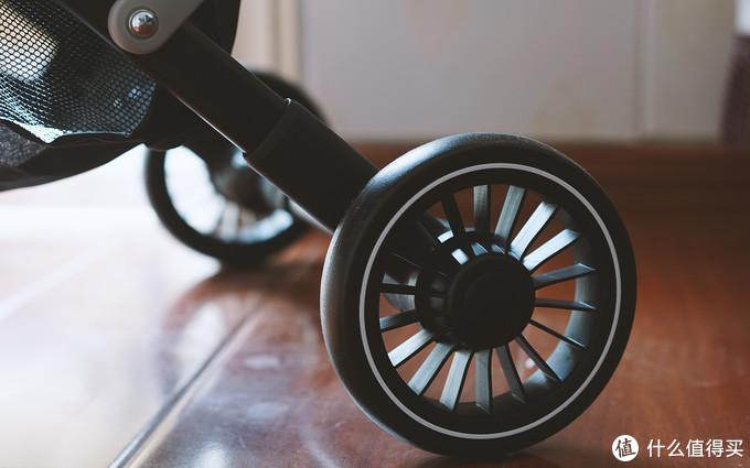 惠尔顿伞车体验:集合稳固、轻巧一身的婴儿推车!