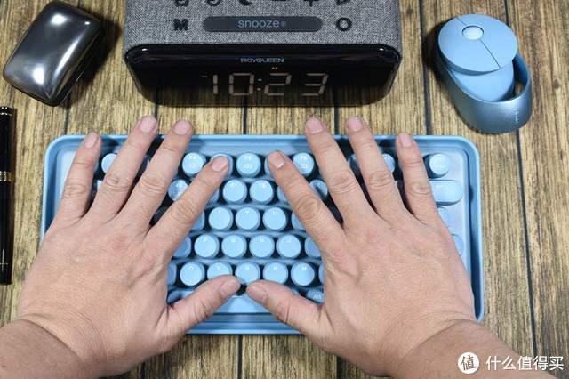 萌翻了的蓝精灵-雷柏ralemo Pre 5 机械键盘