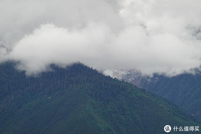 云雾太大  雪山几乎看不到