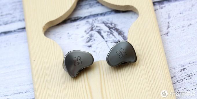 不仅仅是好看的外观,内置耳放的HIFIMAN TWS800音质超赞