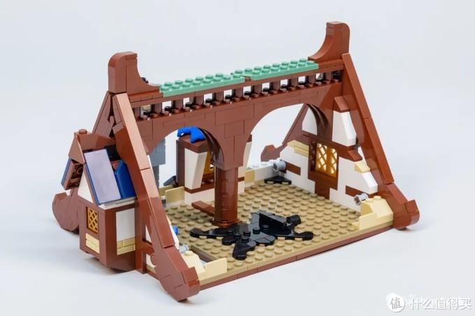 乐高21325中世纪铁匠铺开箱评测