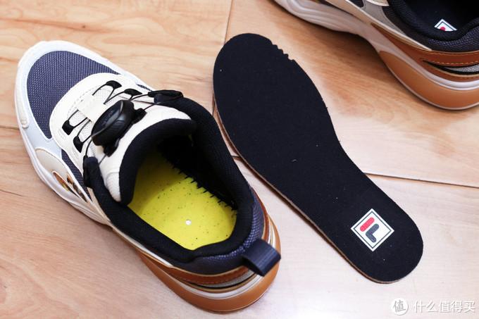 再也不用给孩子系鞋带了,配备了BOA系统的FILA童鞋
