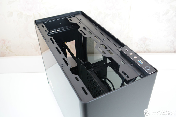 这台小钢炮兼容性不错,显卡能屈能伸,乔思伯i100 Pro机箱装机体验