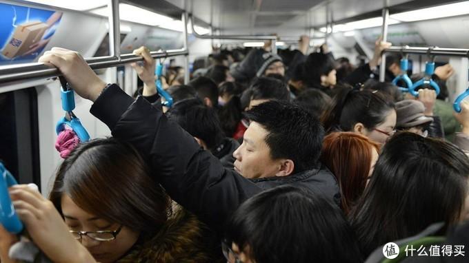 碎片时间听书,给自己充电,地铁车厢内的Haylou GT3体验